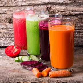 glasses of fruit and vegetable juices